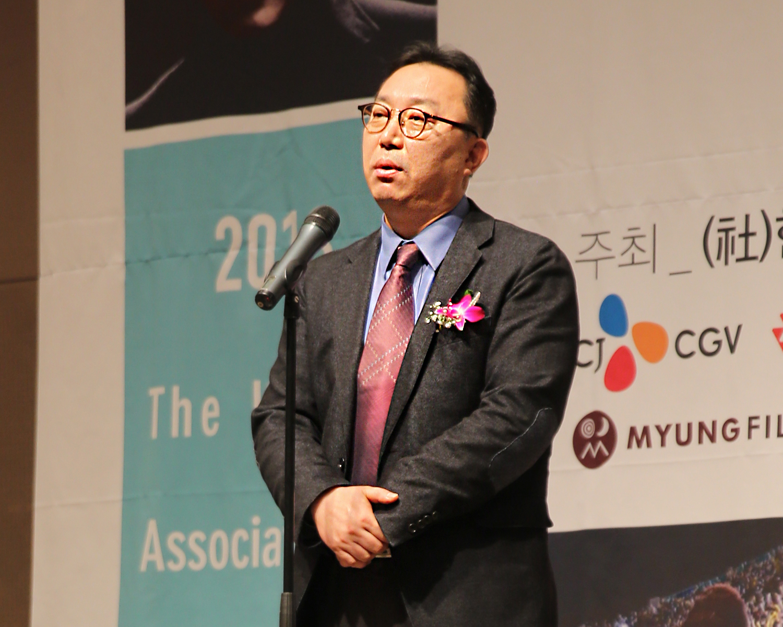 39.신인평론상 심사평하는 신강호 회원
