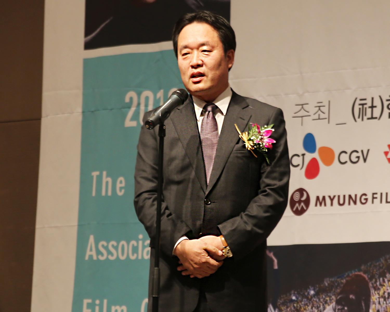 30.특별상 심사평하는 조희문 회원